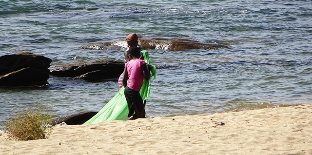 Illegal fishing with a mosquito net