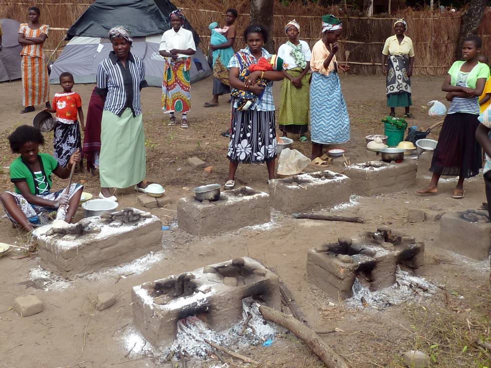 These Changu Changu Moto cookstoves were built at a large church meeting which 2,000 people attended to raise people's awareness of the project