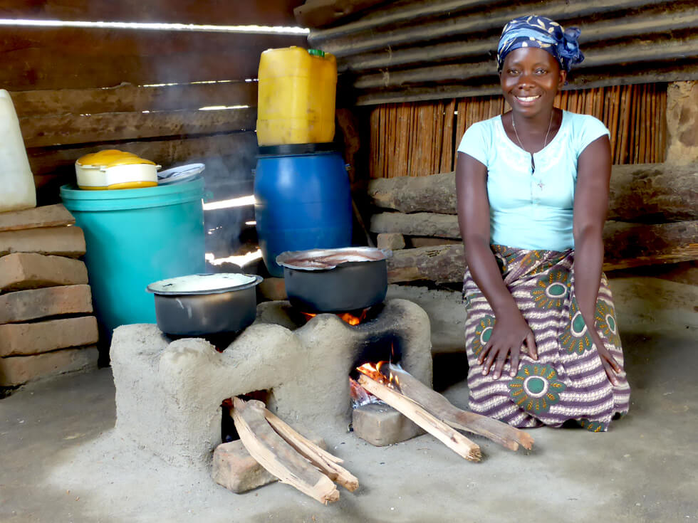 By buying our carbon credits, you will be benefiting 40,000 households like this