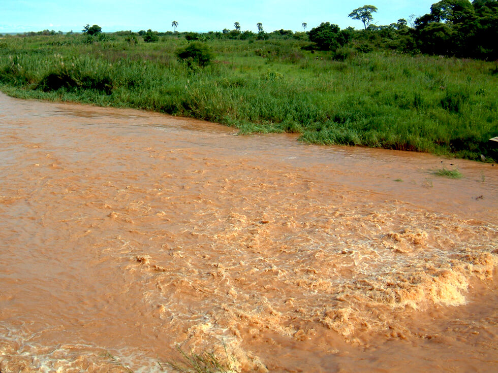 In Nkhata Bay District, which is close to the lake, the yearly rainfall is 1.2m