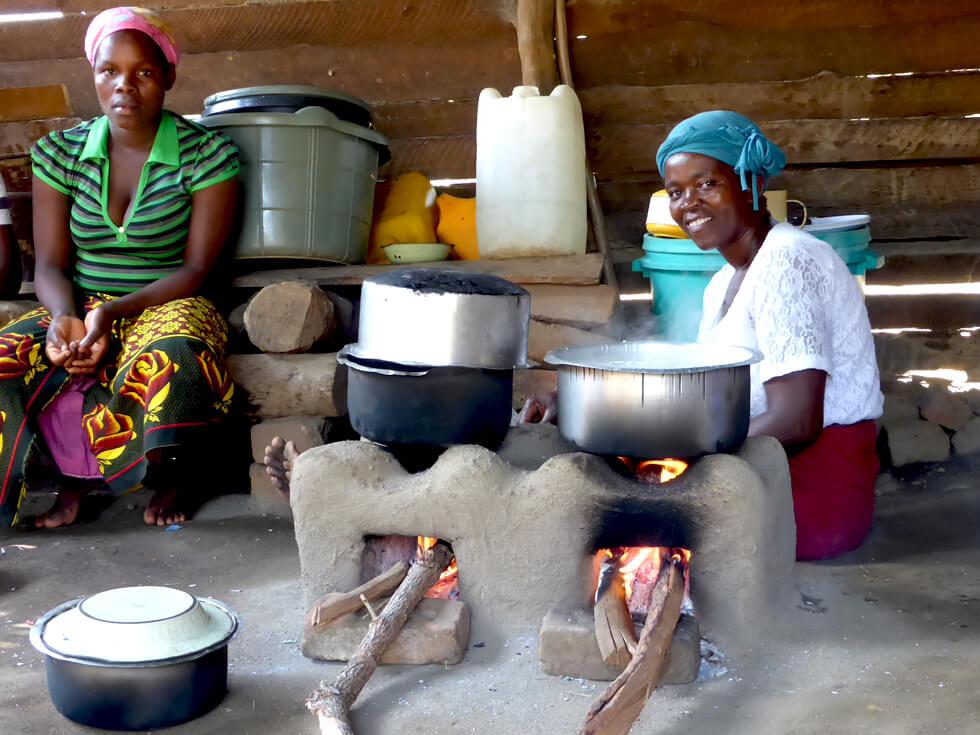 £6,000 pays for 600 Changu Changu Moto fuel-efficient cookstoves
