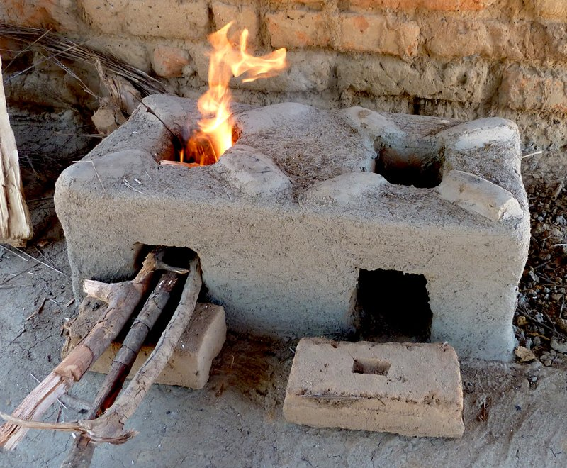 Fuel-efficient cookstove uses less wood in Malawi