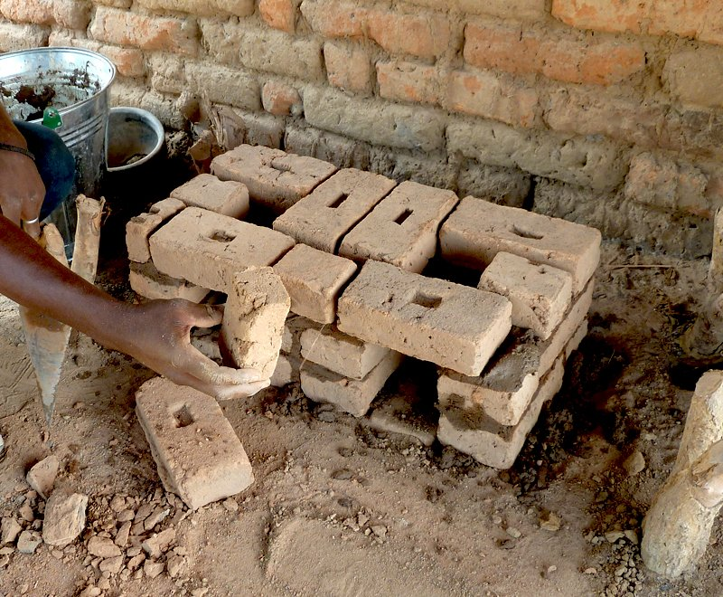 Building a fuel-efficient cookstove Ripple Africa